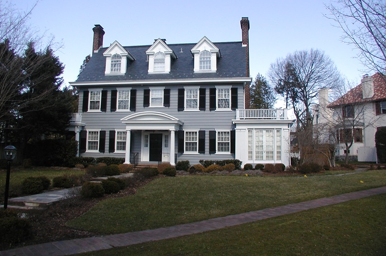 Colonial revival architecture houses facts and history for Colonial style homes pictures