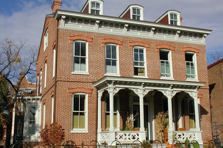 Italianate style italianate architecture characteristics home design tips for What architectural style is my home